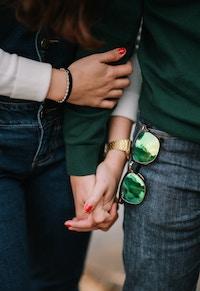 Et si une bonne gestion de son argent favorisait les relations de couple durables ?